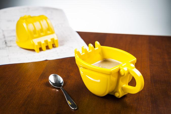Geschäftsidee Tassen 3D in Form von Baggerschaufeln und anderen Baufahrzeugen