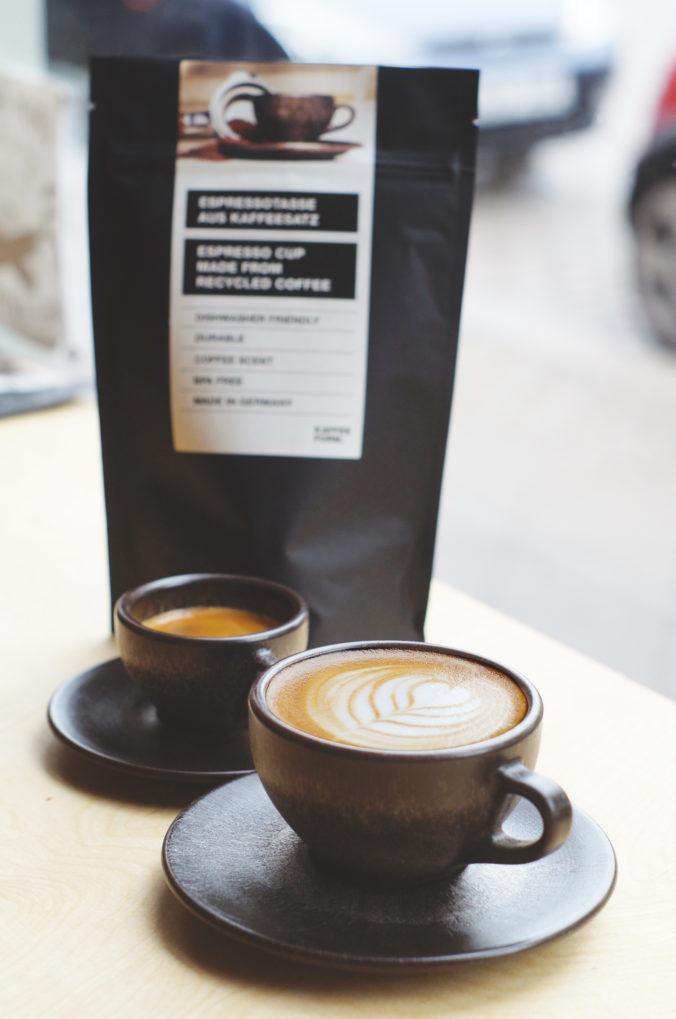 Berliner Kaffeesatz wird zu Tassen - Recycling als Geschäftsidee