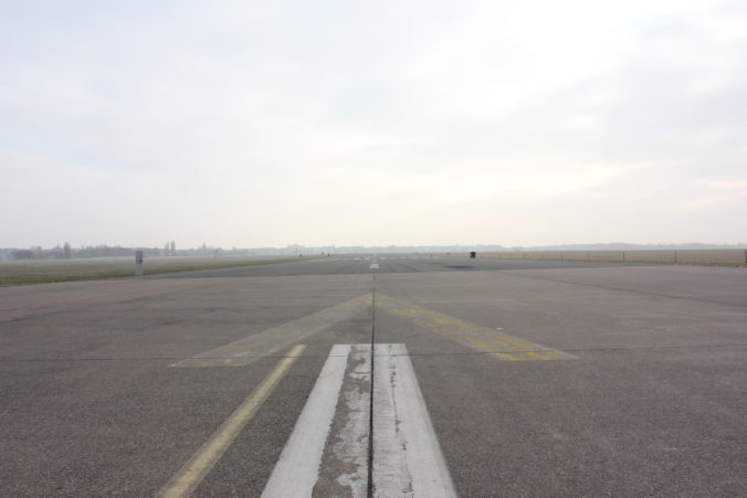 Privaten Flug mieten Business Geschenkidee Flugplatz Bild Tempelhof Berlin