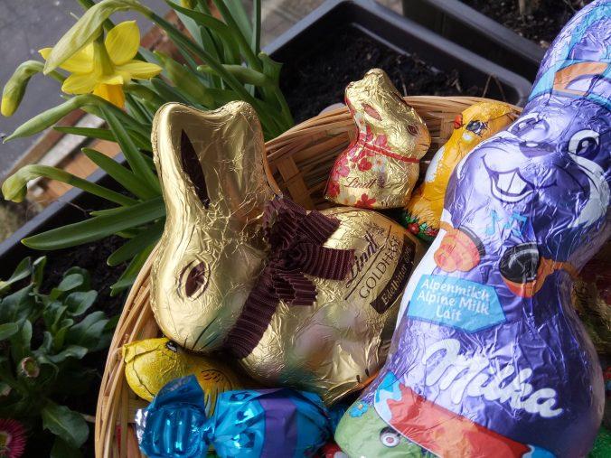 Schnäppchen an Ostern mit Süßwaren mit kurzem Haltbarkeitsdatum