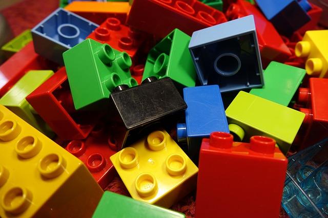 Bauen mit Bausteinen aus Kork, nachhaltige Geschäftsidee